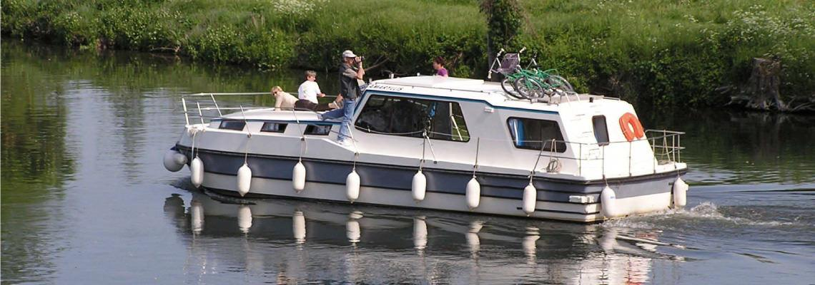 River Boating Holidays on Riviera 1120 Slide 3