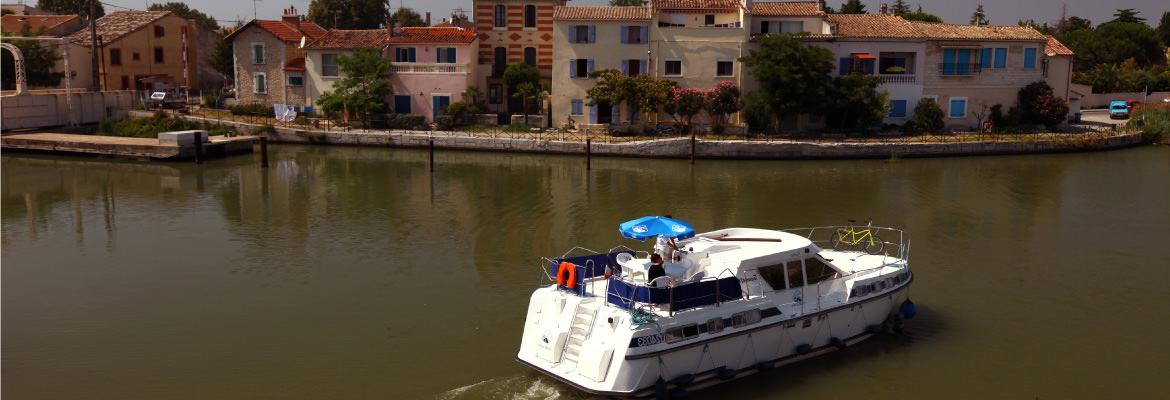 The barge board rental homes in the Camargue on canal boating holidays