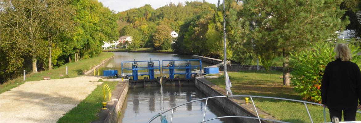 Rental in Alsace to barge without license on canal boating holidays
