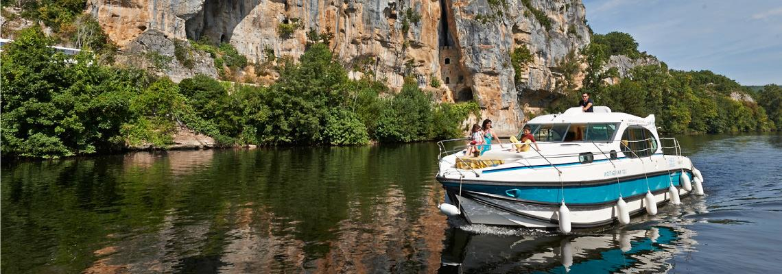Canal Boating Holidays on Estivale Quattro S 1