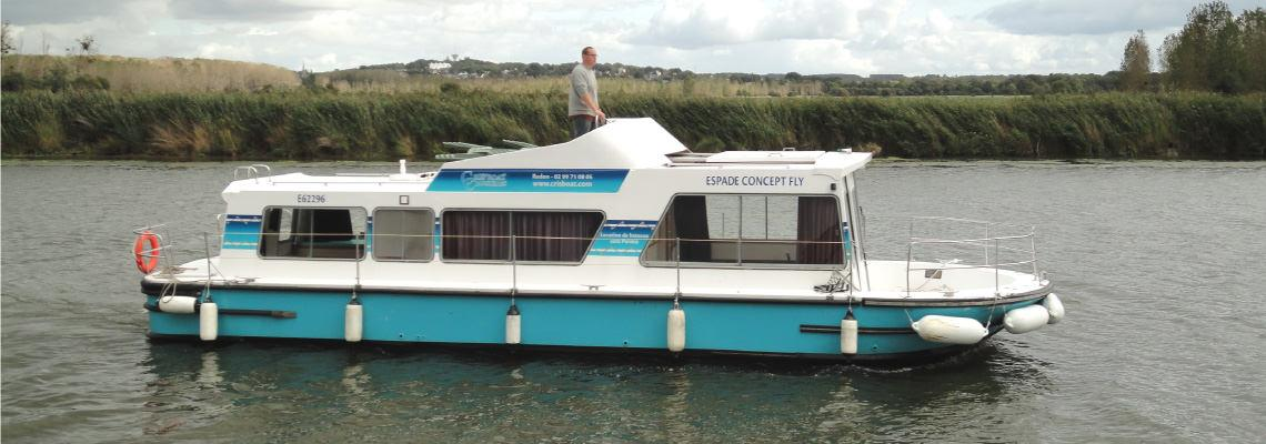 Canal Boating Holidays on Espade Concept Fly Slide 1
