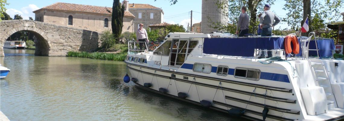 Canal Boating Holidays on Tarpon 42 Trio Prestige Slide 1