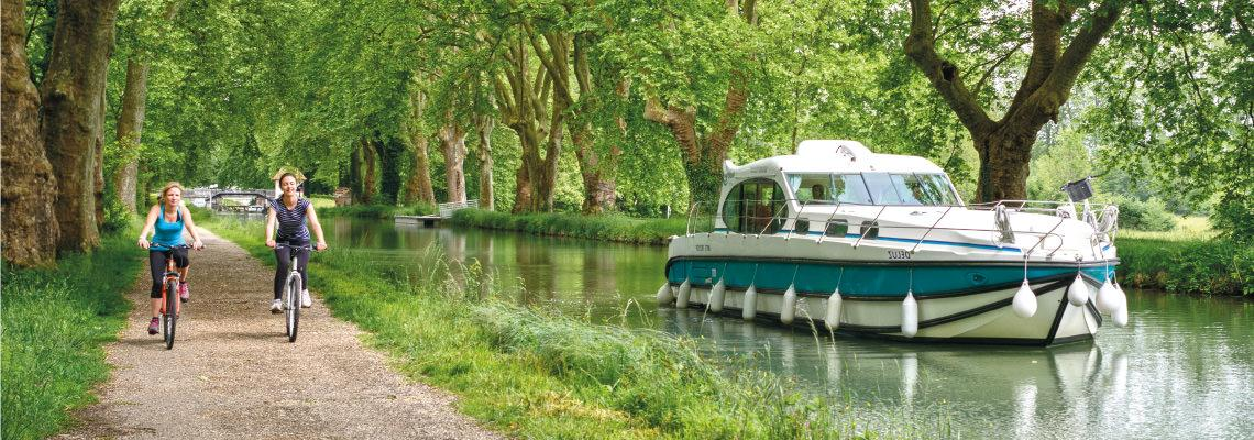 Canal Boating Holidays on Estivale Octo 5