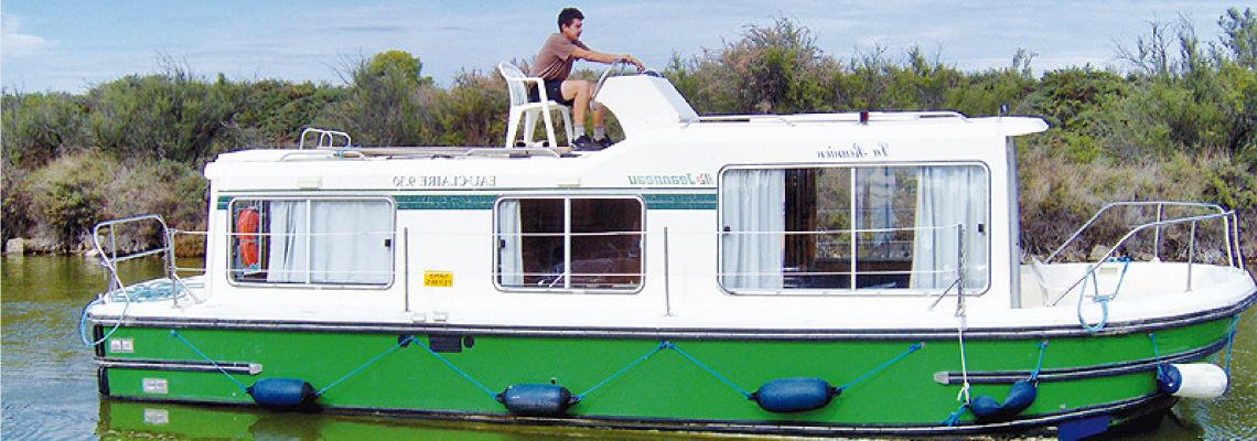 Canal Boating Holidays on Eau Claire 930 Fly slide 1